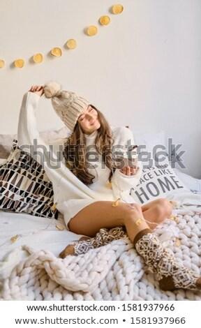 Mooie warm home lang vrouwelijke Stockfoto © ElenaBatkova