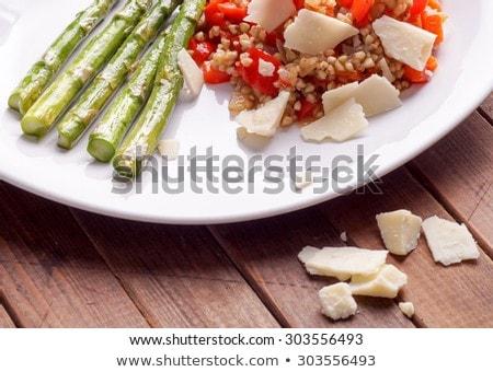 Vegetáriánus rizottó piros harang paprikák felszolgált Stock fotó © Klinker