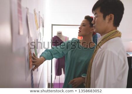 Oldalnézet divat több nemzetiségű megbeszél designer rajz Stock fotó © wavebreak_media