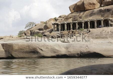 beroemd · rock · strand · verticaal · hemel · landschap - stockfoto © tuulijumala