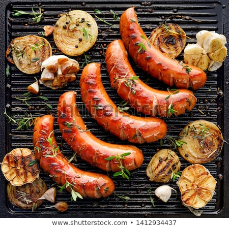 alla · griglia · salsiccia · tavola · carne · cottura · pranzo - foto d'archivio © racoolstudio