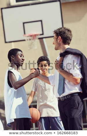 Multikulturális tinédzserek öltönyök üzlet üzletember utazás Stock fotó © IS2