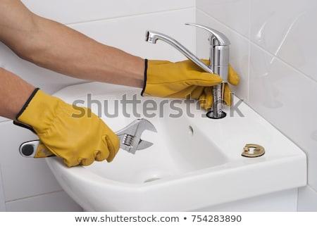 ワーカー 給水栓 側面図 配管 キッチン ストックフォト © AndreyPopov