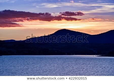 Göl dağlar bölge Avustralya izlerken Stok fotoğraf © lovleah