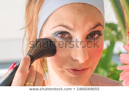 szépség · káprázatos · fiatal · barna · hajú · női · arc · portré - stock fotó © serdechny