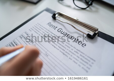 Pen affitto garantire forma persona riempimento Foto d'archivio © AndreyPopov