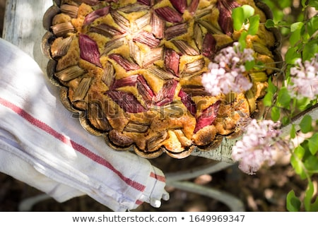 Saboroso fresco rústico ruibarbo torta Foto stock © laciatek