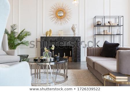 famille · s'asseoir · canapé · sombre · salle · amour - photo stock © Paha_L