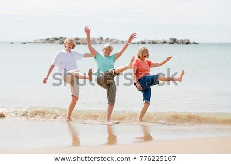 3 ·  · 女の子 · 白 · 笑顔 · 幸せ - ストックフォト © photography33