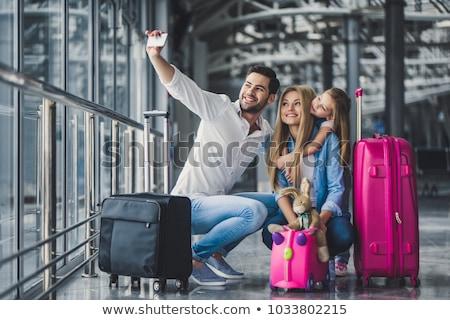 Mały podróżnik gotowy zabawy cute dziewczynka Zdjęcia stock © gophoto