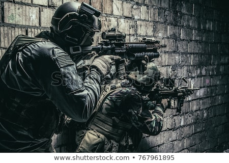 Soldado ação três soldados acampamento deserto Foto stock © shivanetua