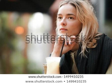 Belo sério mulher jovem de volta morena Foto stock © Discovod