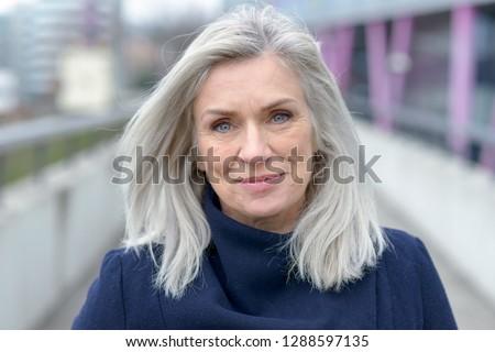 sorridere · femminile · senior · executive · di · bell'aspetto · donna - foto d'archivio © boggy