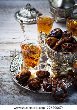 Tradicional árabe chá secar datas foco Foto stock © furmanphoto