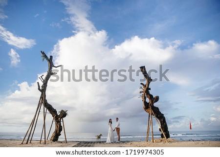 Stok fotoğraf: çift · sevmek · yürüyüş · plaj · güçlü · okyanus