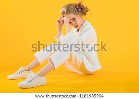 beyaz · kalp · çalışma · simge · yalıtılmış - stok fotoğraf © traimak