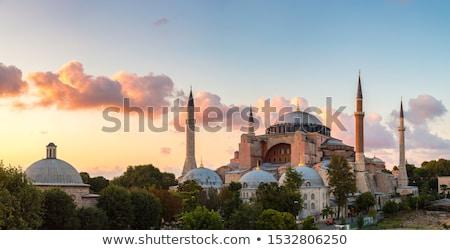 éjszaka híres Isztambul város templom építészet Stock fotó © elxeneize
