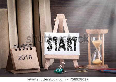 Ampulheta palavra negócio mesa de madeira escritório escolas Foto stock © fuzzbones0