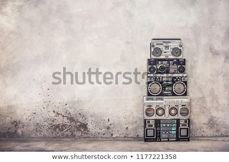 stedelijke · hip · hop · danser · grunge · beton · muur - stockfoto © adrenalina