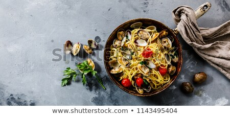 spagetti · petrezselyem · fehér · vágási · körvonal · tészta · ebéd - stock fotó © monkey_business