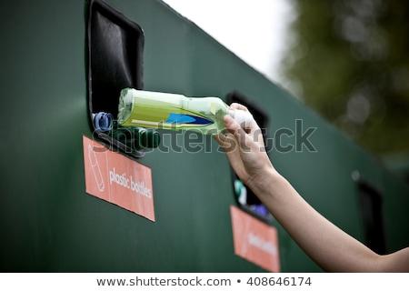 Lány 14 újrahasznosítás gyermek zöld jókedv Stock fotó © IS2