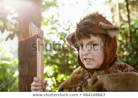 Nino hasta tener juguete hacha nino Foto stock © IS2