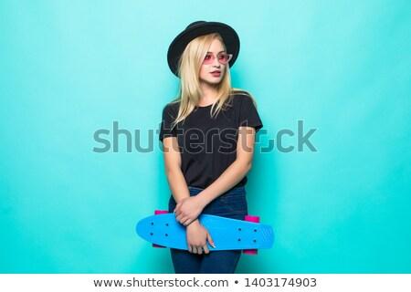 笑みを浮かべて · 十代の少女 · スケート · スポーツ · レジャー · スケート - ストックフォト © deandrobot