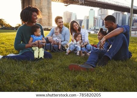 Elöl kilátás vegyes nemzetiségű csoport barátok megnyugtató ül Stock fotó © wavebreak_media
