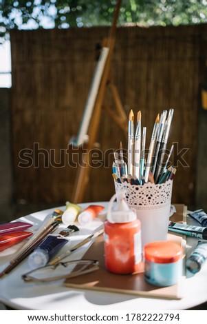 表 眼鏡 油 パレット ストックフォト © pressmaster