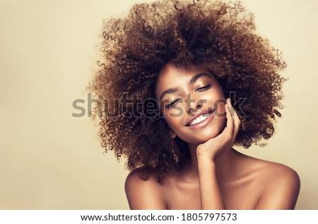 belo · feliz · adulto · mulher · preto · cabelos · lisos - foto stock © rosipro