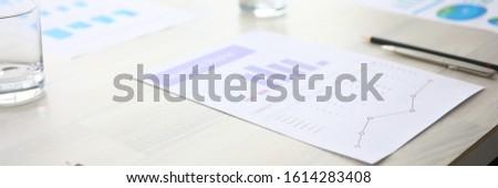 Importante mesa de madera palabra negocios oficina mano Foto stock © fuzzbones0
