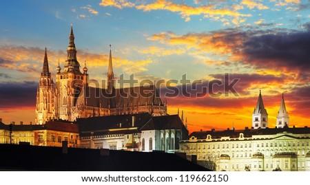 ver · Praga · castelo · noite · rio · República · Checa - foto stock © borisb17