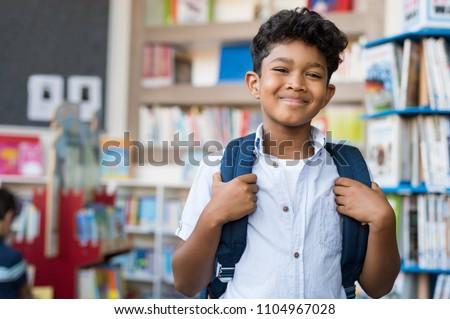 Portret schooljongen geïsoleerd witte gelukkig student Stockfoto © brebca
