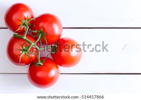 świeże pomidory bambusa tablicy żywności Zdjęcia stock © Digifoodstock