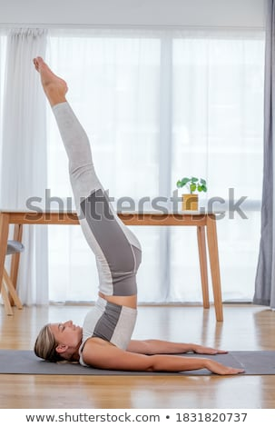 Photo stock: Fitness · blond · femme · yoga · poste · blanche