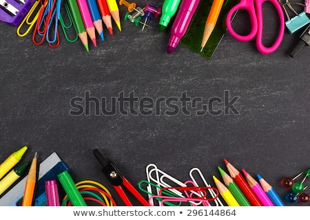 materiale · scolastico · confine · lavagna · pen · matita · istruzione - foto d'archivio © lightsource