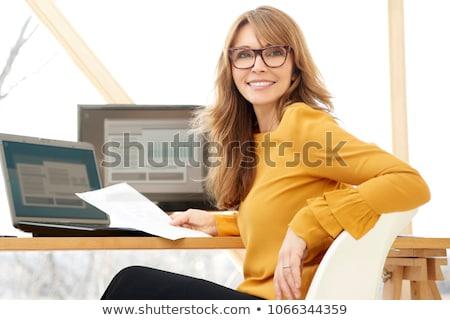 Stok fotoğraf: Olgun · kadın · oturma · büro · kadın · Internet · teknoloji