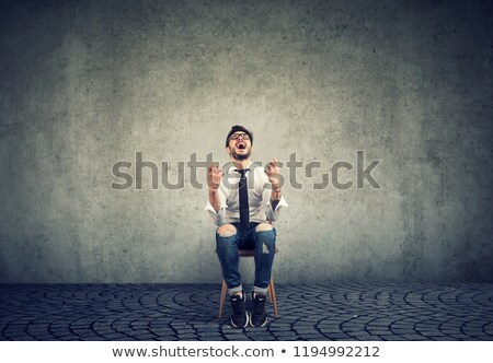 frustrato · giovane · seduta · sedia · uomo · mani - foto d'archivio © ichiosea