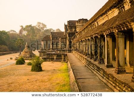 Angkor Wat beroemd mijlpaal zonsopgang vintage retro Stockfoto © dmitry_rukhlenko