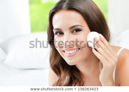 若い女の子 · 洗浄 · 皮膚 · 綿 · 慎重に · 頬 - ストックフォト © serdechny