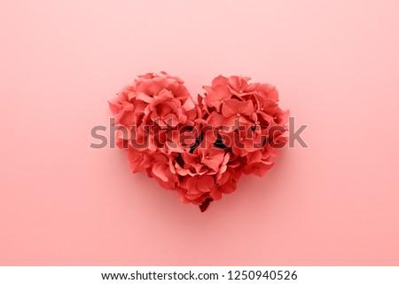 中心 · 花輪 · 小枝 · 装飾された · 赤いバラ - ストックフォト © marilyna