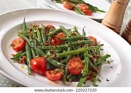 Zöldbab saláta paradicsomok nyár asztal zöld Stock fotó © M-studio