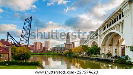 Old bridge in Cleveland Stock photo © benkrut