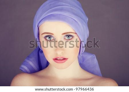 mulher · azul · tecido · em · torno · de · cabeça · tiro - foto stock © stryjek