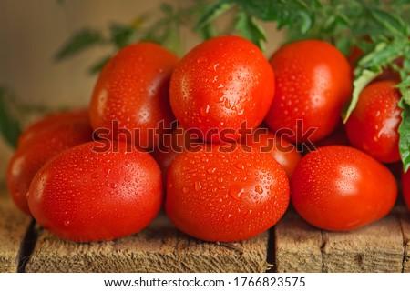 Romani tomates fresco vermelho verde cerâmico Foto stock © andreasberheide