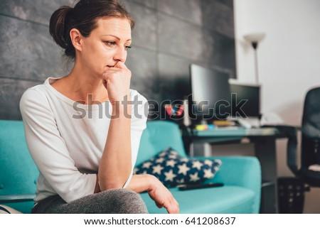 szomorú · nő · fehér · szoba · fal · szépség - stock fotó © gemenacom