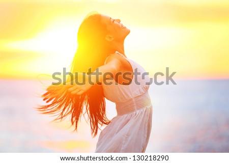 ストックフォト: 女性 · 瞑想 · 熱帯ビーチ · 若い女性 · ビーチ
