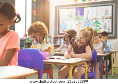 Elöl kilátás iskola gyerekek notebook osztályterem Stock fotó © wavebreak_media