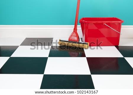 Rouge seau vert tissu nettoyage chimiques Photo stock © wavebreak_media