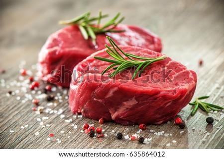 friss · marhahús · filé · közelkép · fából · készült · háttér - stock fotó © OleksandrO